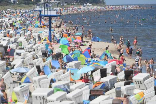 German lifeguards warn of deadly distraction