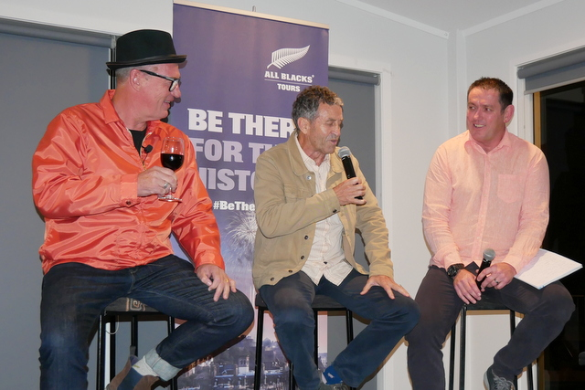 Rugby flavour for surf club fundraiser